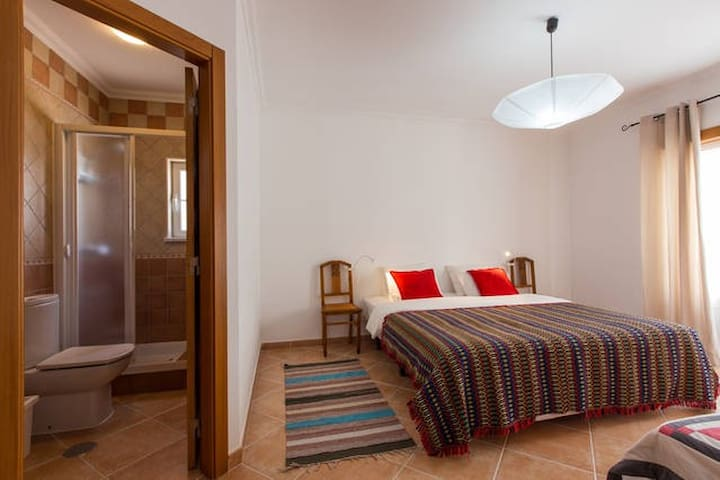 Double Room & Ensuite WC . Baleal