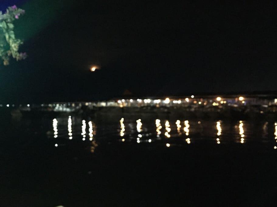 Public jetty