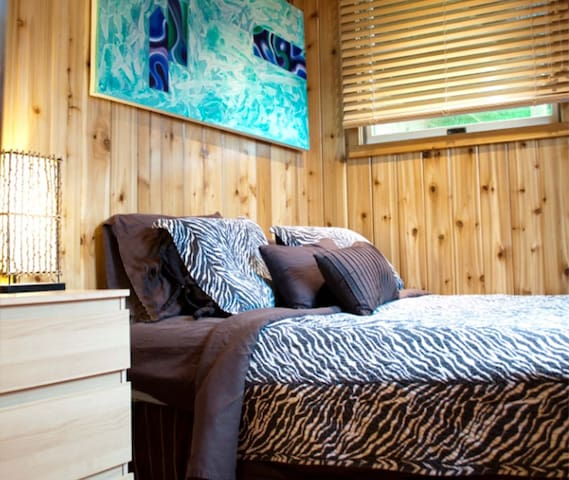 Fire Island Pines Full Bedroom-shared bath, pool..