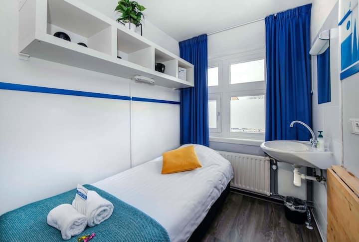 Standard - Single Room with shared bathroom