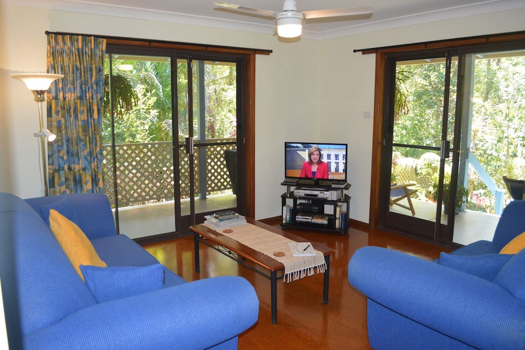Comfortable Lounge Room with Foxtel T.V. and DVD Player.