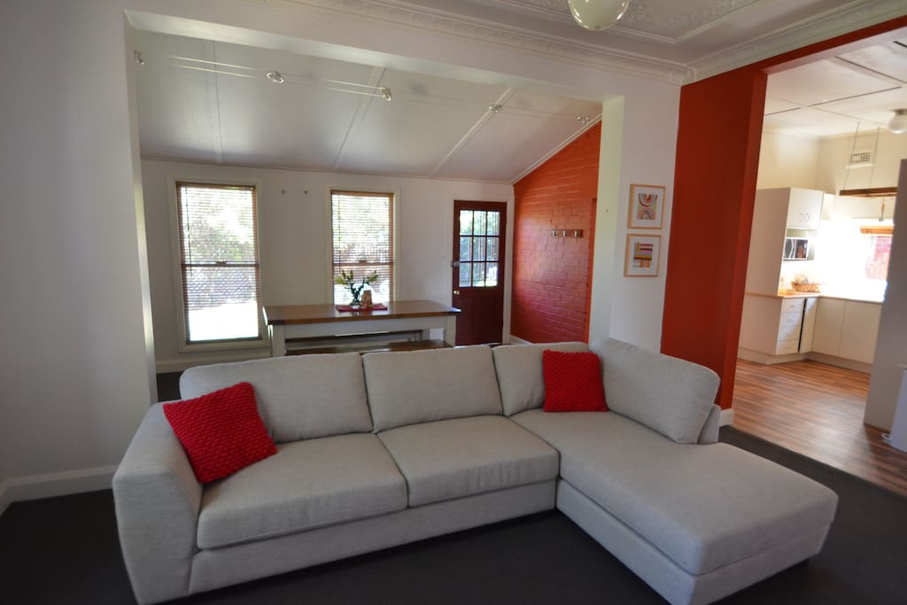 Living area is open plan with RC A/C and Natural Gas heating for instant warm !