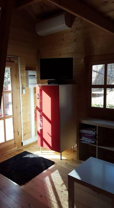 tv sur frigo