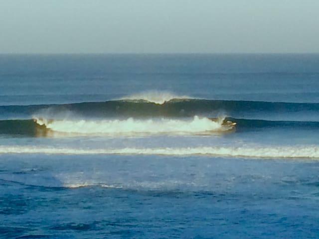 Main Break perfection. Surfers Point. 2.3k