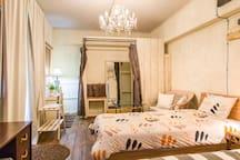 Room 2 シングルベッド、ダブルベッドの3名様まで可