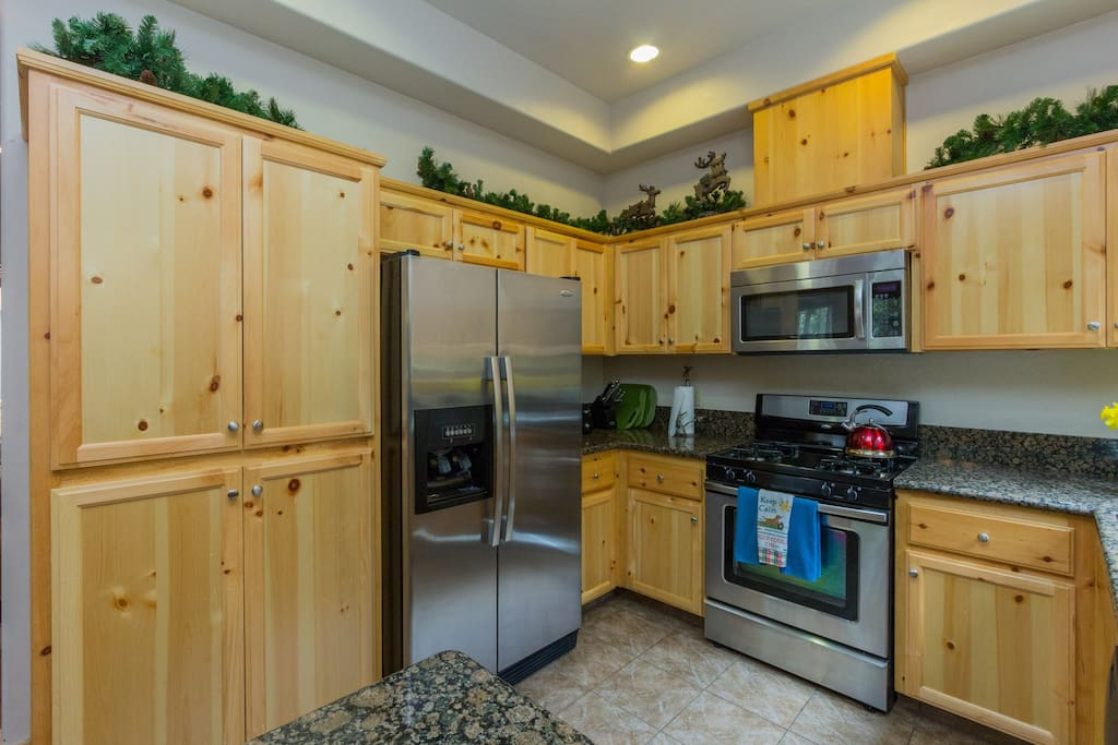 Stainless steel appliances, granite countertops and plenty of storage.