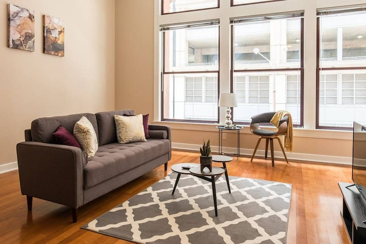 Beautiful + Bright Oasis | Spacious + Central 1br