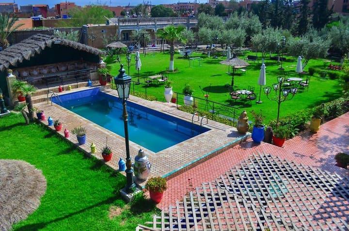 CHAMBRE Villaa  et piscine