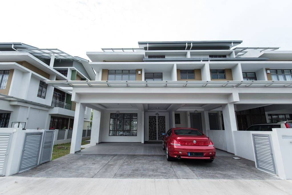 Welcome. Ample parking space and an open concept entry. Large car porch for 3-5 cars.