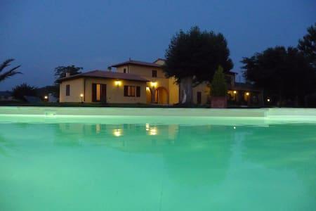 Appartamento nella campagna della Maremma Toscana - Massa Marittima