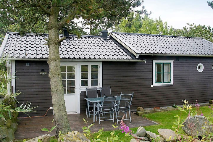 4 person holiday home in GLOMMEN
