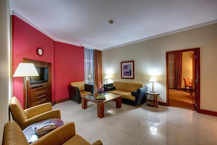 J5 RIMAL HOTEL APARTMENT, One-Bedroom Suite - King