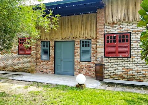 17BROGA - Long House