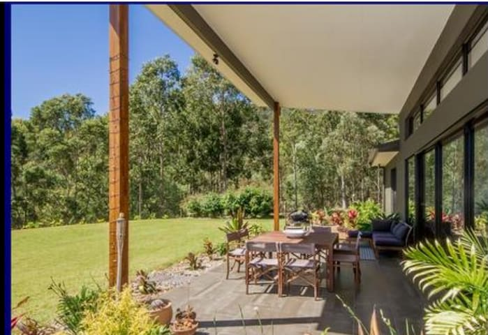 Gwandalen-Hinterland Retreat/Wedding Accommodation