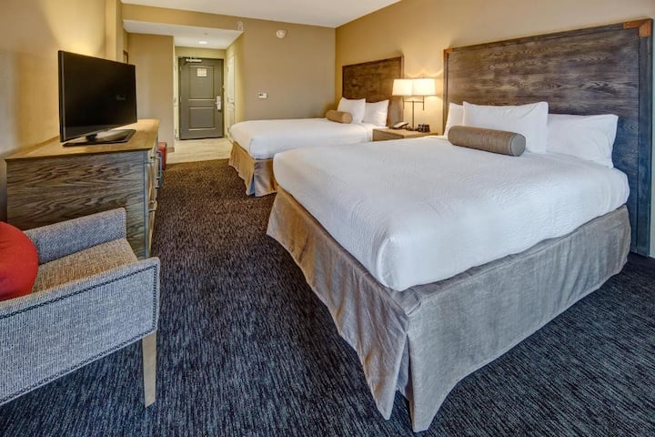 Handsome Double Two Double Beds At Pigeon Forge
