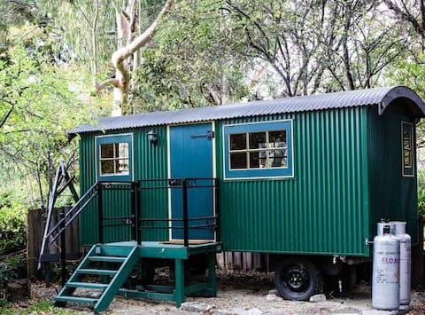 Huon Valley Shepherd' s Hut