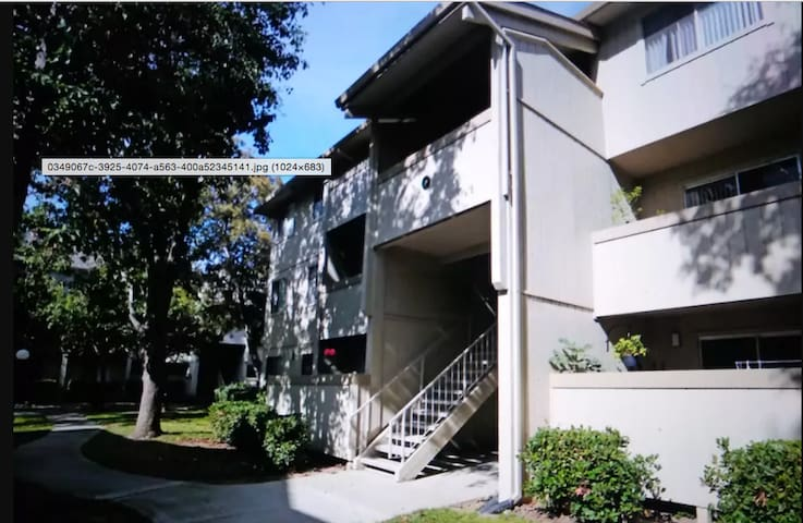 Master bedroom in Gated Community - Fremont - Apartamento