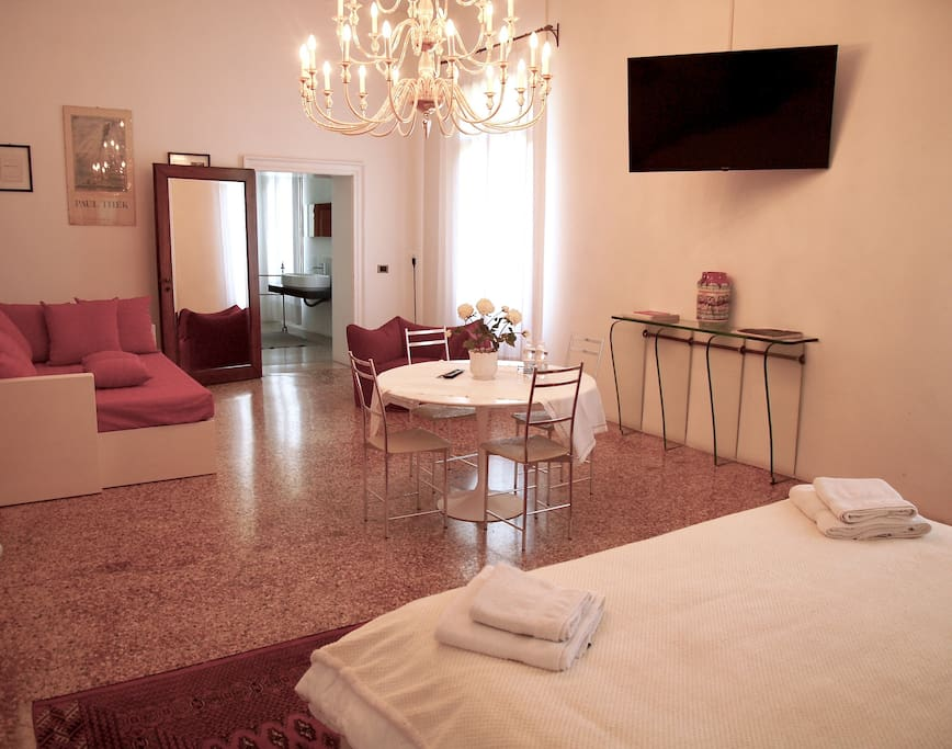 Suite chambres d 39 h tes louer ros v n tie italie for Chambre d hote italie
