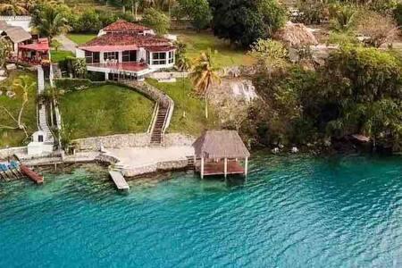 Hermosa casa en Bacalar a la orilla de la laguna!