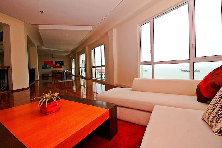 II) LUXURY FAMILY SUITES_STRAITS QUAY MARINA MALL - Tanjung Tokong - Appartement en résidence