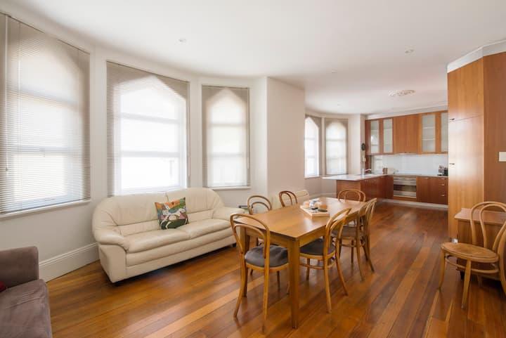 3 Bedroom Apartment -  Heart of Hobart CBD