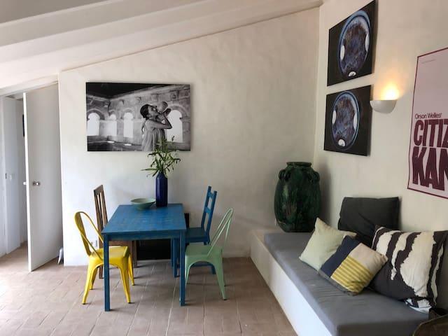 Casa da Medronheira: 2 suites, big stone terrace