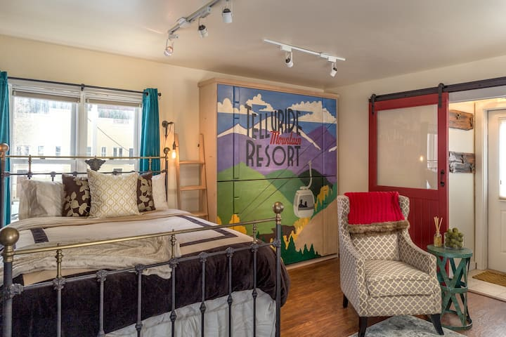 A Thoughtfully Furnished, Pet Friendly Studio Located in the Heart of Downtown Telluride
