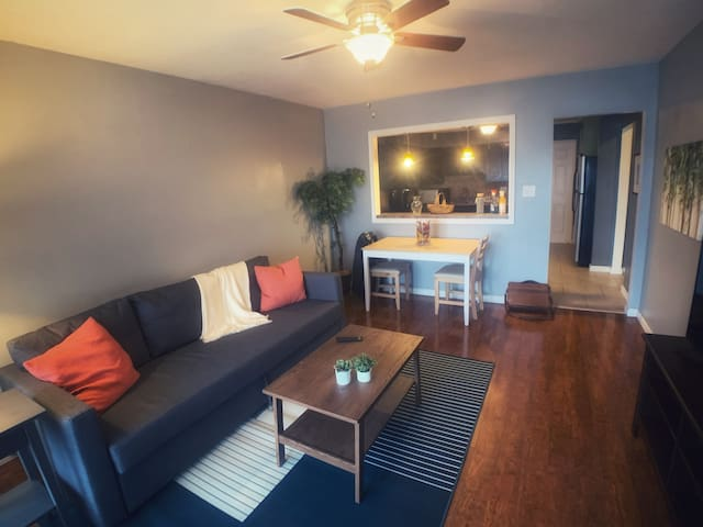 South Forest Park  |  2 Bdr Cozy home  |  Keybot