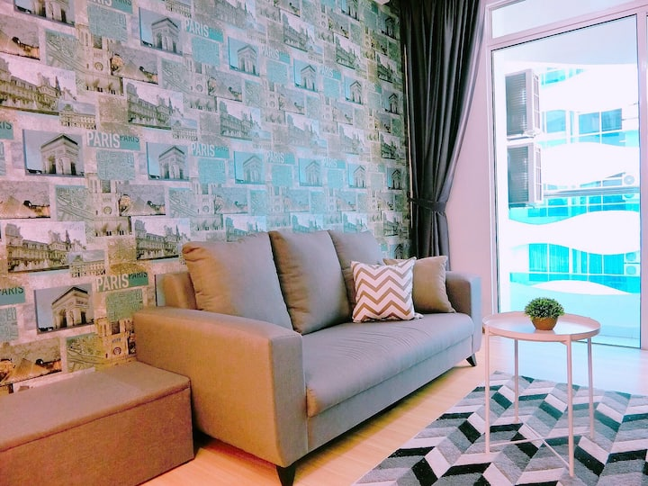 **NEW COZY SUITE IN THE HEART OF MELAKA W/ POOL!!!
