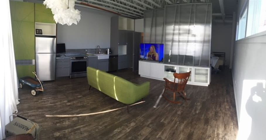 Clean Studio Available During Super Bowl Week
