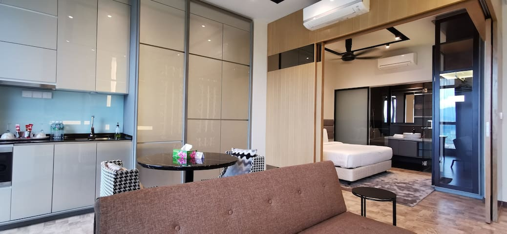 Expressionz-3Pax-1Bedroom-High-Floor-Junior-Suites