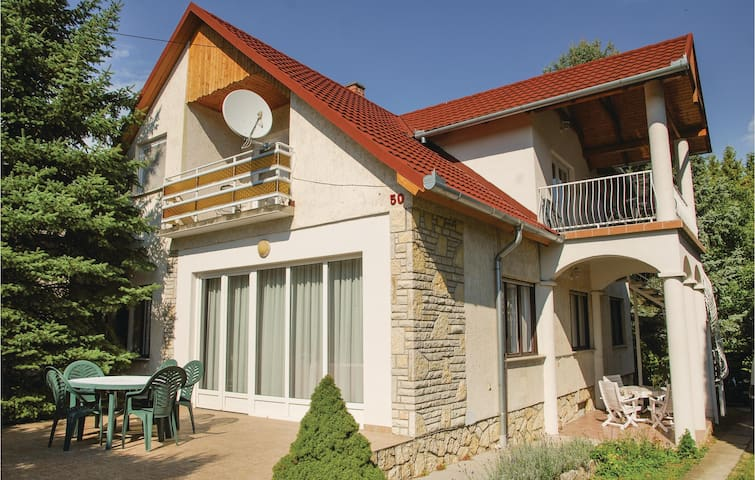 Holiday apartment with 3 bedrooms on 80 m² in Balatonföldvár