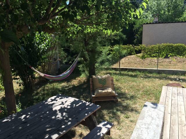 Appartement de plein pied avec jardin
