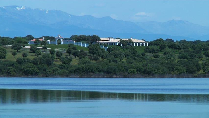 Alquiler VILLA lujo Extremadura-Embalse Valdecañas