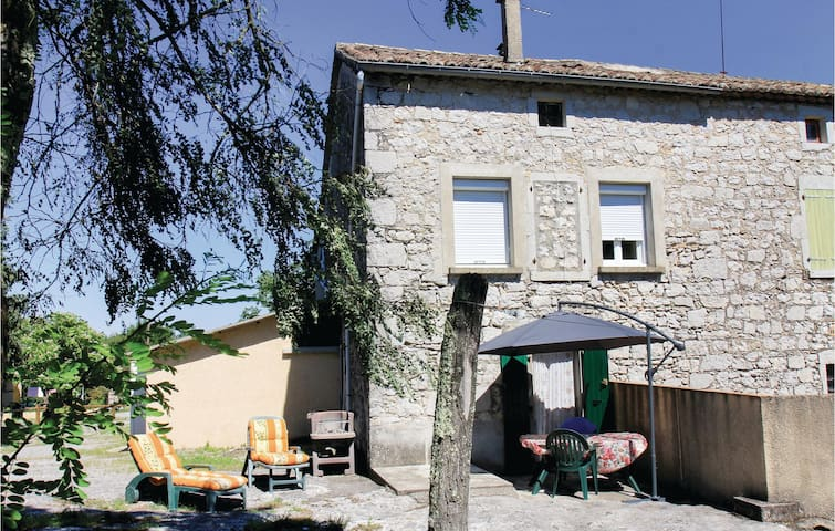 Holiday apartment with 1 bedroom on 25m² in La Beaume