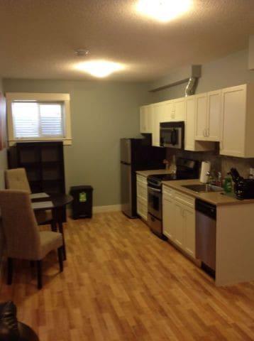 2 Bedroom, 2 Bathroom space for rent.