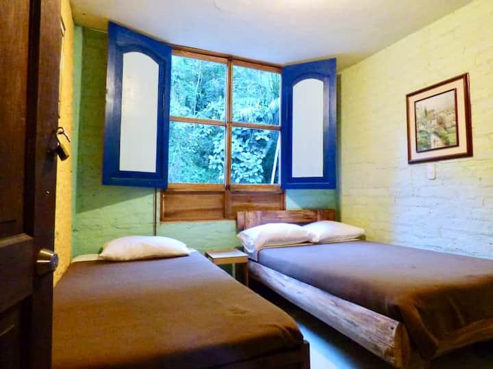 Villa Alegria: Room 4 (Shared Bath)