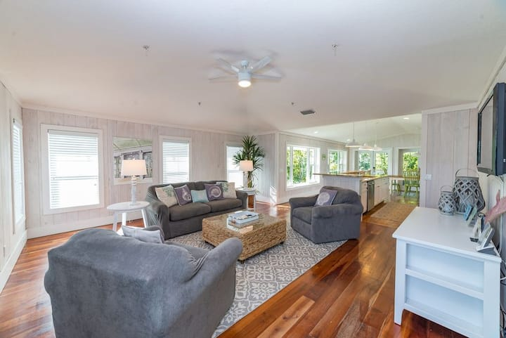 3br/2b in Anna Maria with Private Pool Oasis