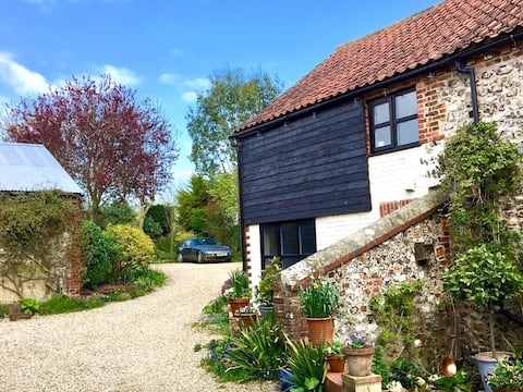 Brancaster Bakery Cottage, luxury Norfolk hideaway