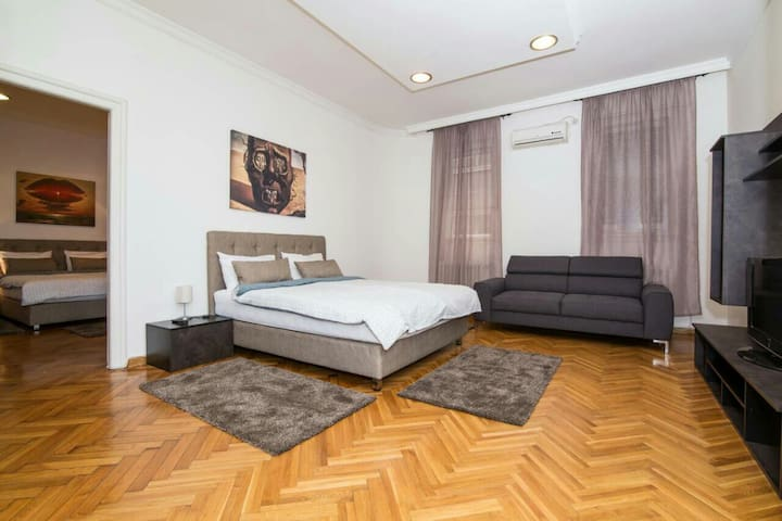 City Center Luxurios Appartment in Knez Mihajlova