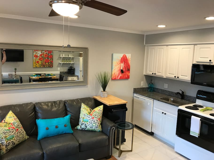 Fun decor with private lanai off living room
