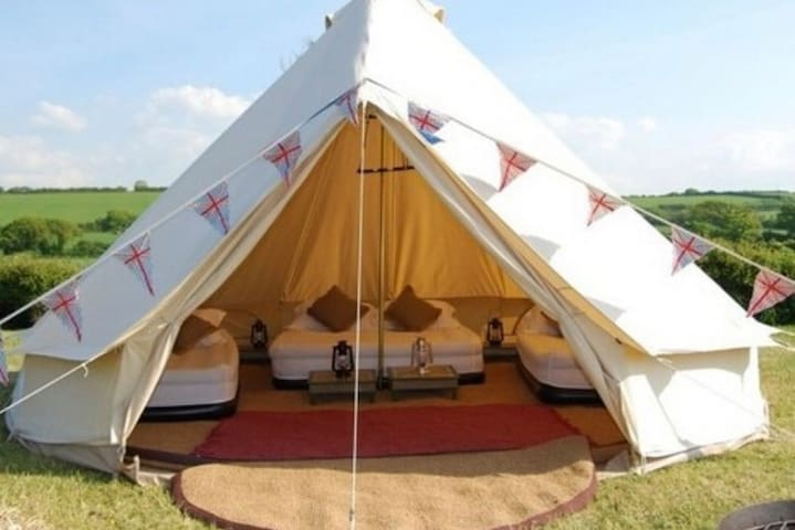 Bell Tent glamping up to 20, hot tub, natural pool