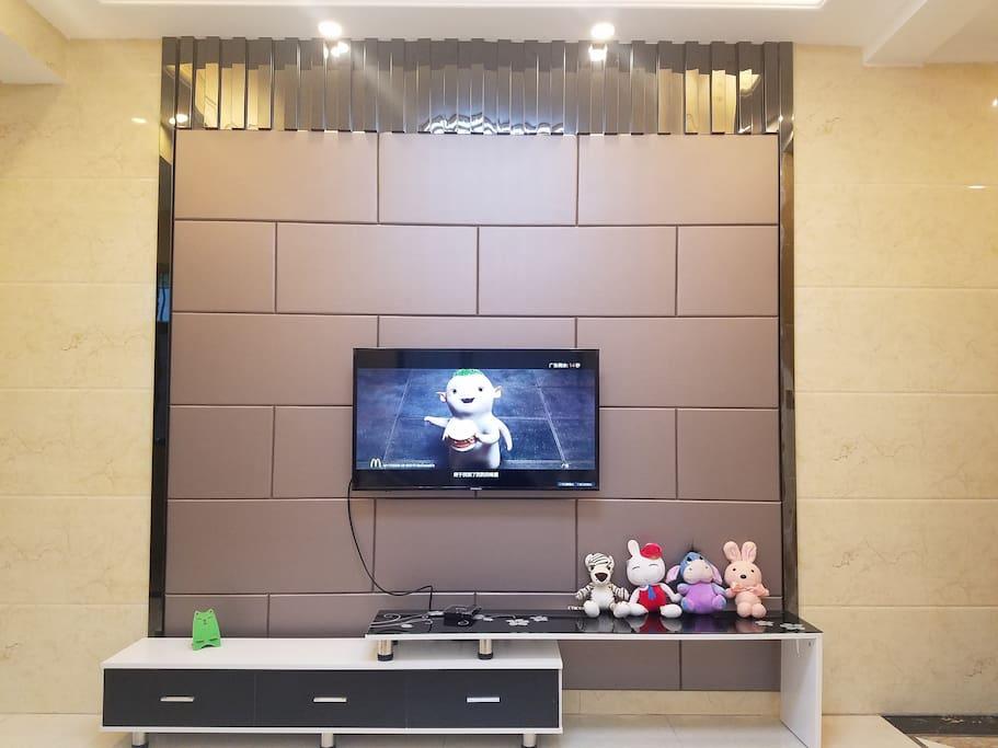 宽大的电视机
