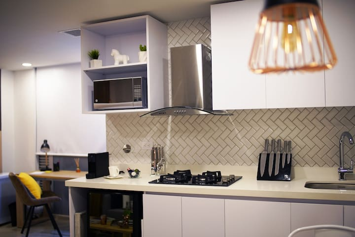 Kitchen with full equipment  -  Cocina con equipamiento completo