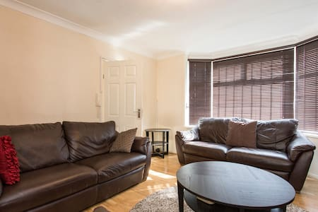 3 Bedroom - London