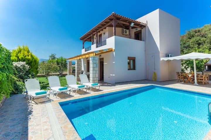 Roumeli villa with private pool !!