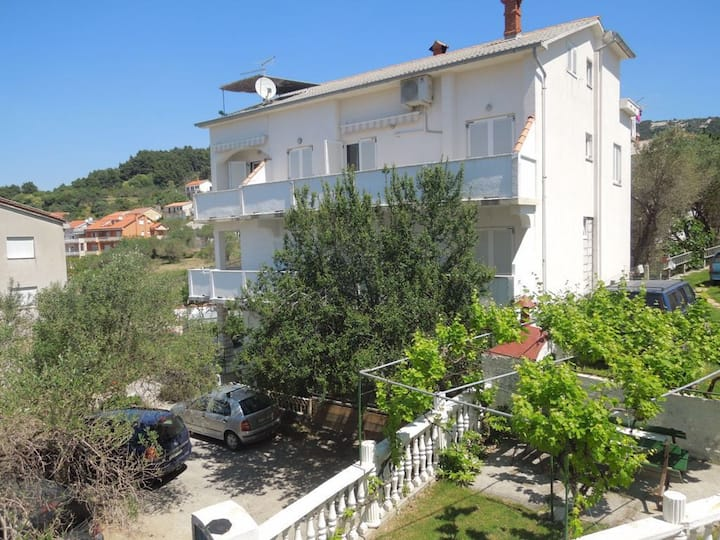 Apartment Josi - with balcony and free parking A2(2+2) Banjol, Island Rab