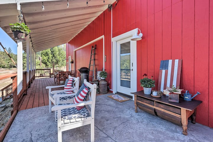 NEW! Studio w/ Deck: 22 Mi to Yosemite Nat'l Park!
