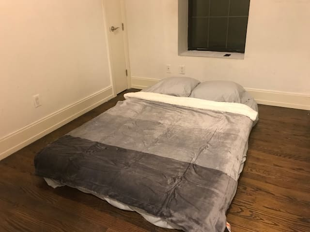 Private Room in Bushwick Near J Train