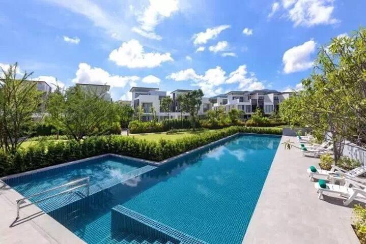 3 BR Apartment in Laguna Phuket near Bangtao beach - Tambon Choeng Thale - House